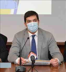 Il Presidente Francesco Acquaroli firma l'ordinanza per la didattica a distanza. Da domani in DAD al 100% tutte le scuole superiori della regione; in provincia di Ancona e Macerata anche le seconde e terze medie