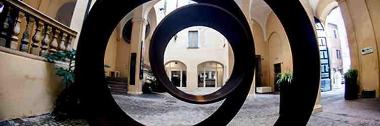 Eliseo Mattiacci, L'occhio del cielo n. 2, acciaio corten, 2005, Pesaro
