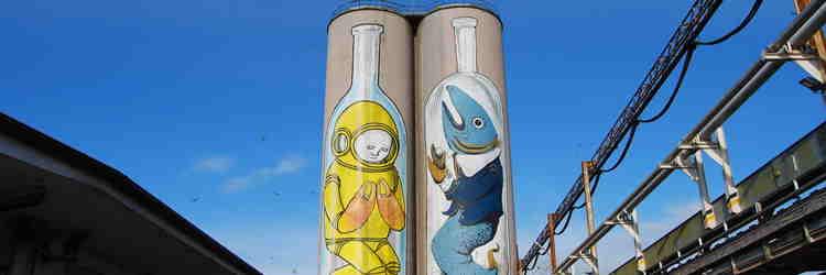 Blu, Ericailcane, Silos Bottles, 2015, Murales su Silos Molo Sud, Porto di Ancona