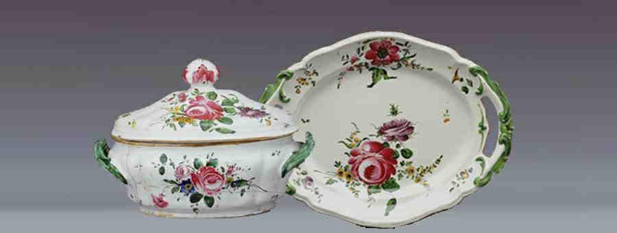 Zuppiera e piatto in ceramica decorata, Pesaro, Museo delle Ceramiche