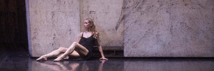Carmen interpretata da Eleonora Abbagnato- Balletto Palasport Eurosuole Forum di Civitanova Marche (foto di Enzo Cositore)